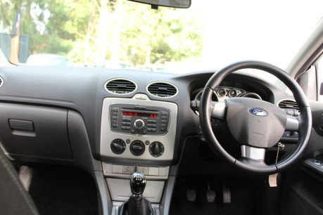 Ford Focus ZETEC | LOW MILES | RECENT SERVICE 9