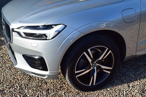 Volvo XC60 T8 TWIN ENGINE R-DESIGN AWD 3