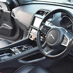 Jaguar F-Pace R-SPORT AWD 3