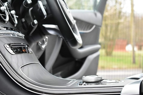Mercedes-Benz GLC GLC 250 4MATIC AMG LINE PREMIUM 4