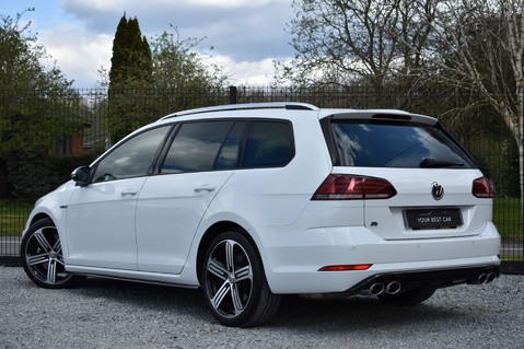 Volkswagen Golf R TSI 4MOTION DSG 2