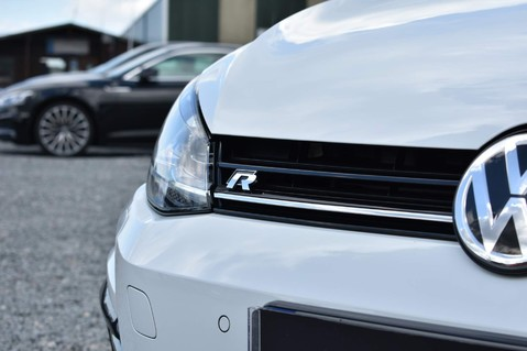 Volkswagen Golf R TSI 4MOTION DSG 16