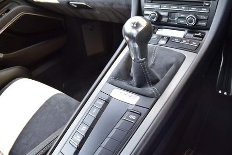 Porsche Cayman GT4 22