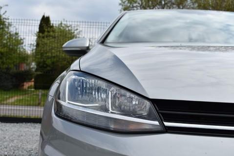 Volkswagen Golf SE NAVIGATION TSI BLUEMOTION TECHNOLOGY DSG 16