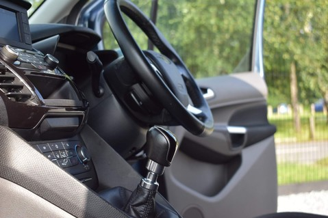 Ford Transit Connect 200 LIMITED TDCI 9