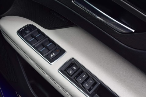Jaguar XF D V6 S 66