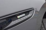 Jaguar F-Pace R-SPORT AWD 16