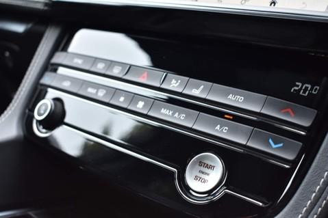 Jaguar F-Pace R-SPORT AWD 73
