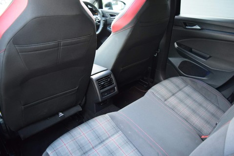 Volkswagen Golf GTI TSI DSG 23