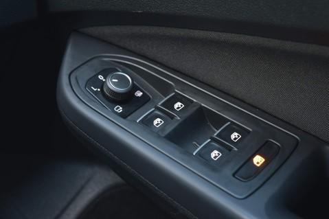 Volkswagen Golf GTI TSI DSG 63