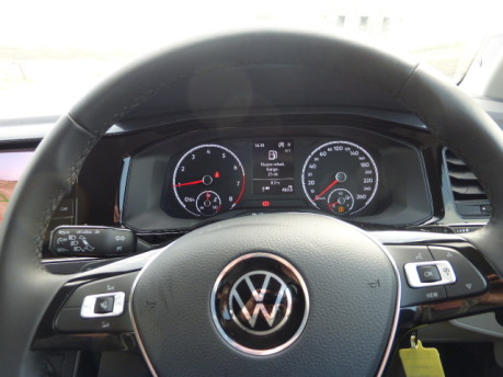 Volkswagen T-Cross 14