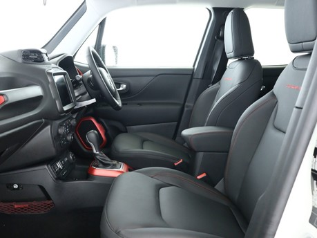 Jeep Renegade 1.3 Turbo 4xe PHEV 240 Trailhawk 5dr Auto Hatchback 10