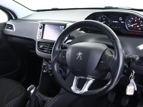 Peugeot 208 1.2 PureTech Allure Premiu 9