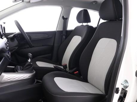 Hyundai I10 I10 1.0 MPi Premium 5dr [Tech Pack] Hatchback 9