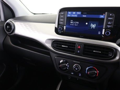 Hyundai I10 I10 1.0 MPi Premium 5dr [Tech Pack] Hatchback 13
