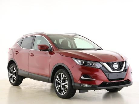 Nissan Qashqai Qashqai 1.3 DiG-T N-Connecta 5dr [Glass Roof Pack] Hatchback