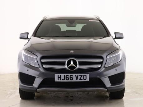 Mercedes-Benz Gla Class GLA 200 D 4MATIC AMG LINE EXECUTIVE 3