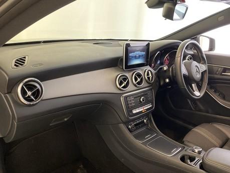 Mercedes-Benz Cla Class CLA 180 SPORT 2