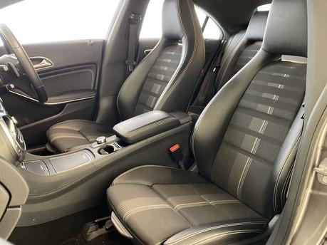Mercedes-Benz Cla Class CLA 180 SPORT 3