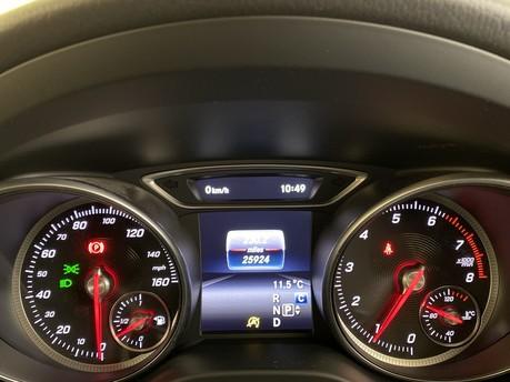 Mercedes-Benz Cla Class CLA 180 SPORT 8