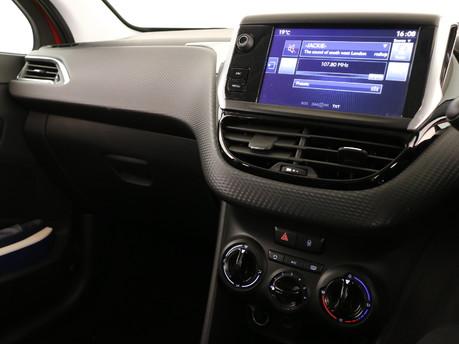 Peugeot 208 Peugeot 208 Active Design Menthol 8