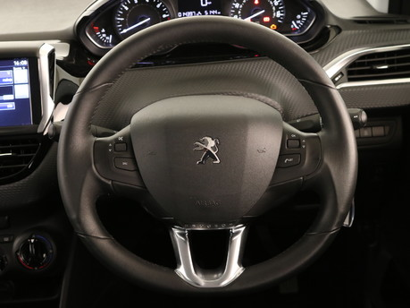 Peugeot 208 Peugeot 208 Active Design Menthol 12