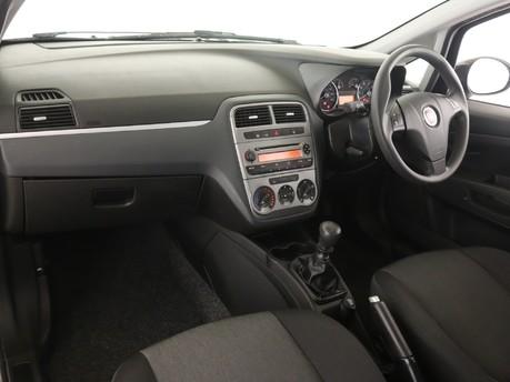 Fiat Punto 1.2 Pop 3dr [Start Stop] Hatchback 8