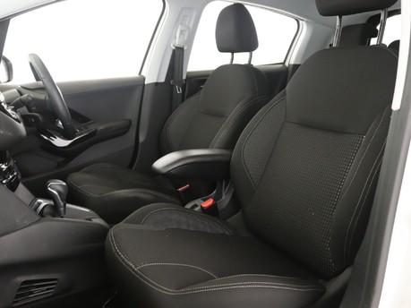 Peugeot 208 1.2 PureTech 110 Tech Edition 5dr EAT6 Hatchback 8