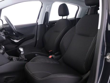 Peugeot 208 1.2 PureTech Allure Premium 5dr Hatchback 9