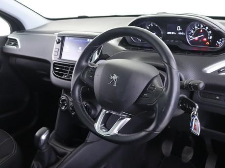 Peugeot 208 1.2 PureTech Allure Premium 5dr Hatchback 11