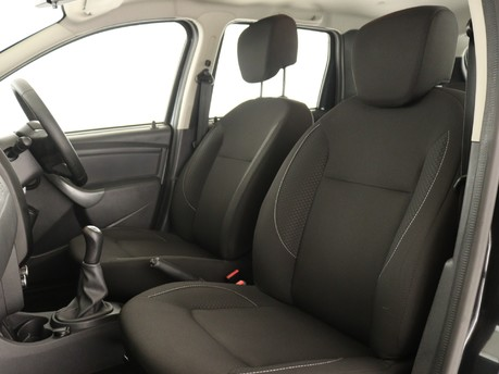 Dacia Duster 1.6 SCe 115 Air 5dr Estate 7