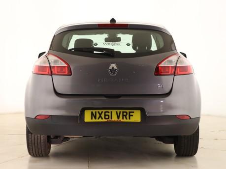 Renault Megane 1.5 dCi 110 Dynamique TomTom 5dr Hatchback 6