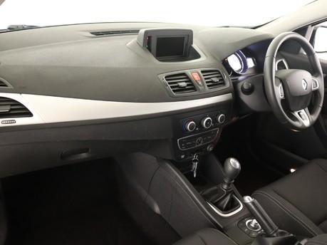 Renault Megane 1.5 dCi 110 Dynamique TomTom 5dr Hatchback 7