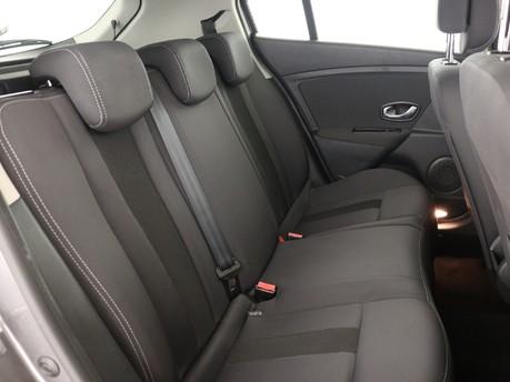 Renault Megane 1.5 dCi 110 Dynamique TomTom 5dr Hatchback 10
