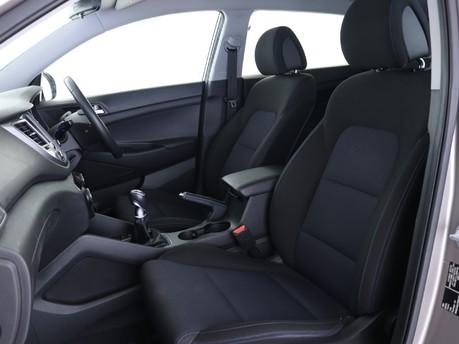 Hyundai Tucson 1.6 GDi Blue Drive SE Nav 5dr 2WD Estate 8
