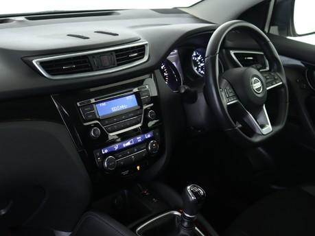 Nissan Qashqai 1.2 DiG-T Acenta [Smart Vision Pack] 5dr Hatchback 8