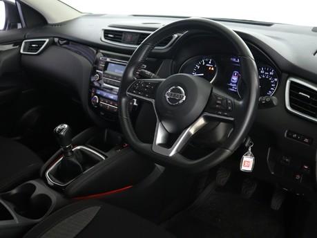 Nissan Qashqai 1.2 DiG-T Acenta [Smart Vision Pack] 5dr Hatchback 12