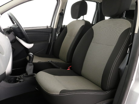 Dacia Duster DUSTER AMBIANCE 1.6 16V 115 4X 7