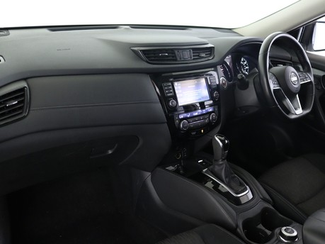 Nissan X-Trail 2.0 dCi N-Connecta 5dr 4WD Xtronic Station Wagon 6