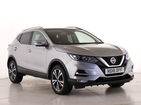 Nissan Qashqai 1.6 dCi N-Connecta [Glass Roof Pack] 5dr Xtronic Hatchback