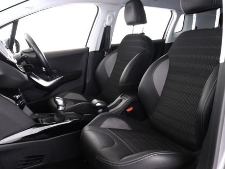 Peugeot 2008 1.2 PureTech Allure 5dr 9