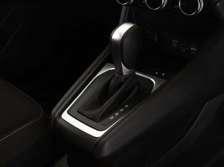 Renault Captur 1.3 TCE 130 Iconic 5dr EDC 11