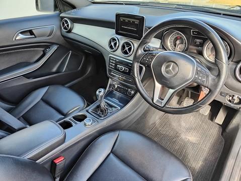 Mercedes-Benz Gla Class GLA200 CDI Sport 5
