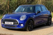 Mini Hatch COOPER D 8