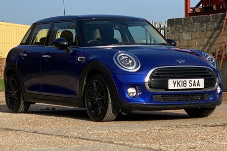 Mini Hatch COOPER D 17