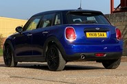 Mini Hatch COOPER D 18