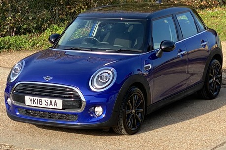 Mini Hatch COOPER D 21