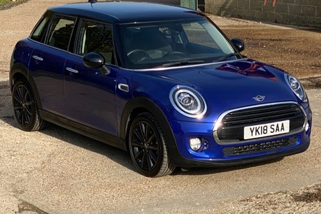 Mini Hatch COOPER D 22