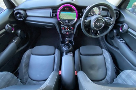 Mini Hatch COOPER D 29