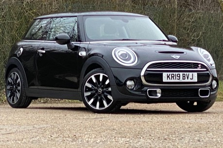 Mini Hatch COOPER S EXCLUSIVE 1